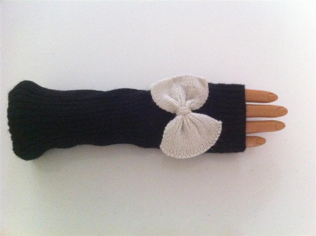 Fingerless Gloves with Bow (Black)