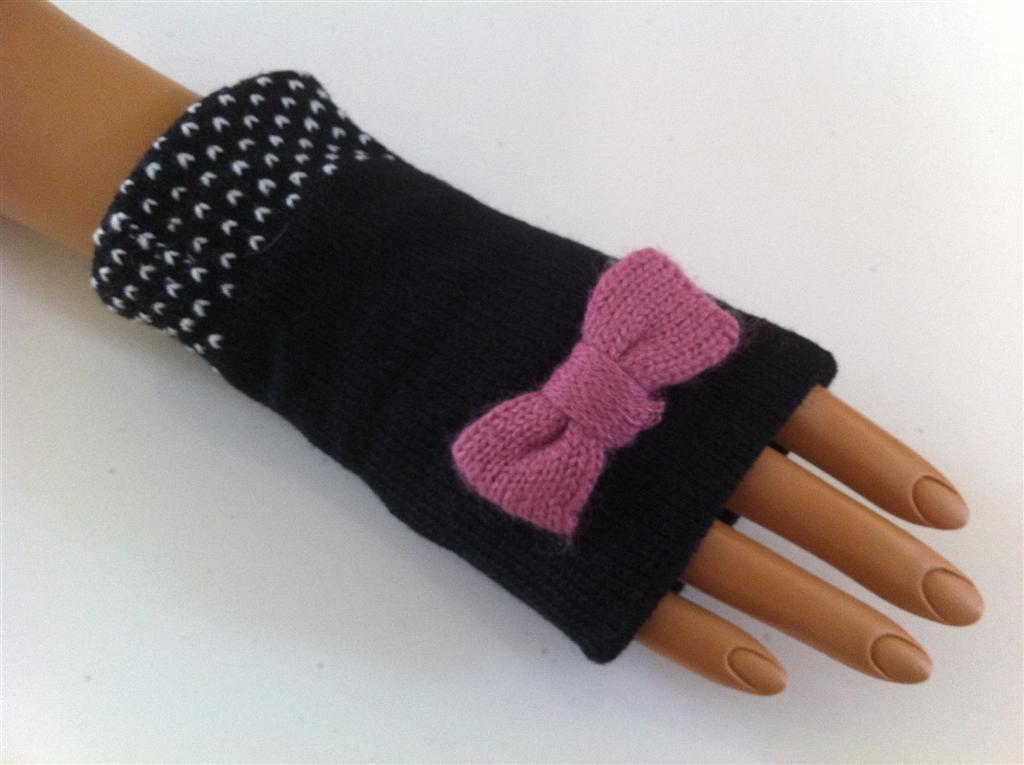 Short Ribbon Fingerless Gloves (Black w/ Dark Pink Ribbon)