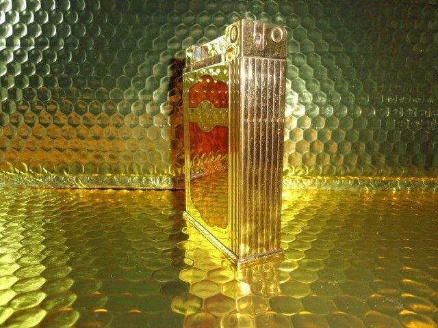 S.T. Dupont Maduro  Jeroboam Table Lighter  preowned without box