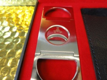 Montecristo signature cigar cutter new without the box only leather case