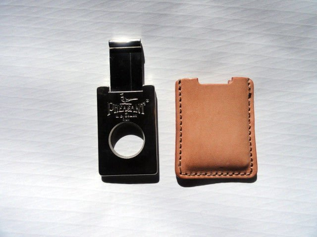 Pheasant by R.D.Gomez Stainless Steel Cigar Cutter  Vaquetilla Biege Leather