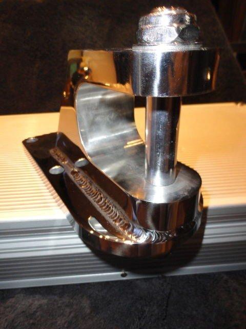 Marine Machine Merc 6 Tie Bar Mount for V-Hull brand new in the box