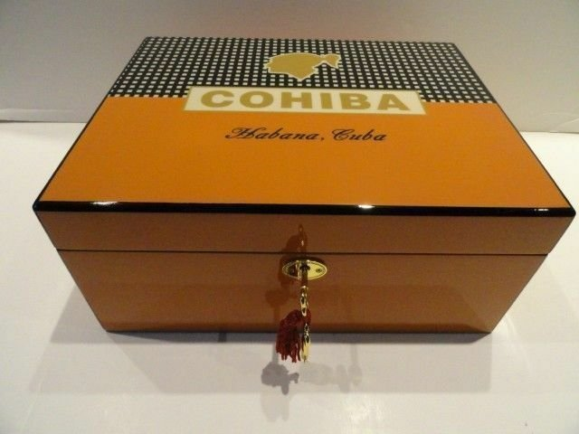 Cohiba humidor comes with locking lid and key