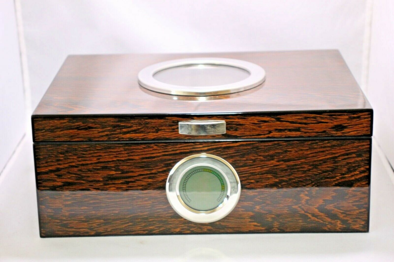 Wood Humidor Lined with Cedar Showroom Model FREE SHIPPING IN USA
