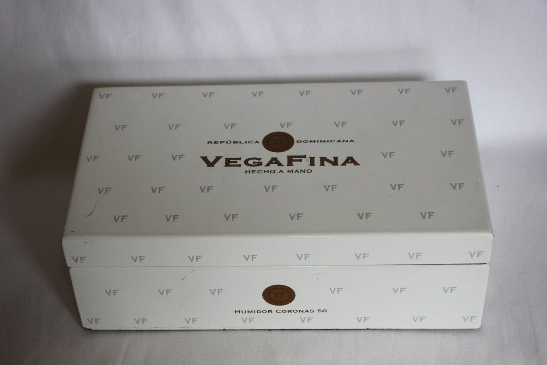 VegaFina - Republica Dominicana - Hecho A Mano Humidor in White