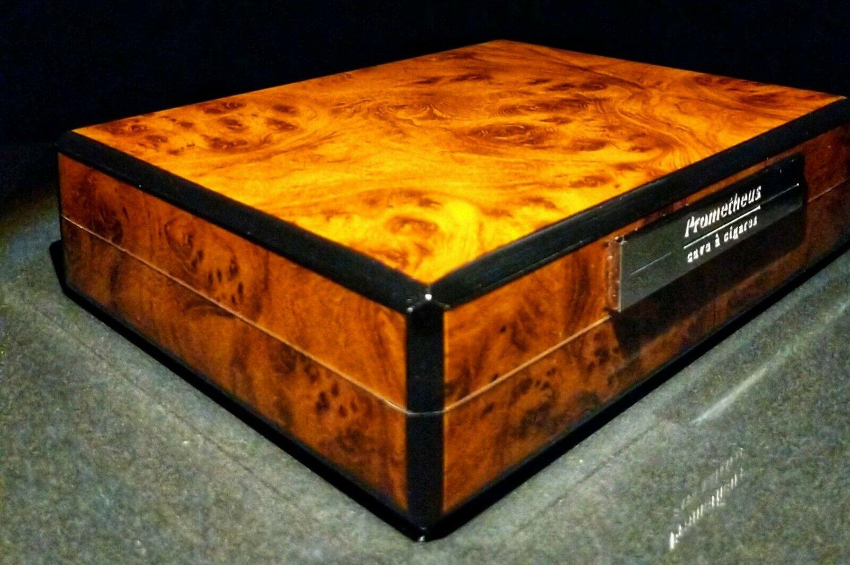 Prometheus Travel Humidor -Burl Wood with carrying case NIB