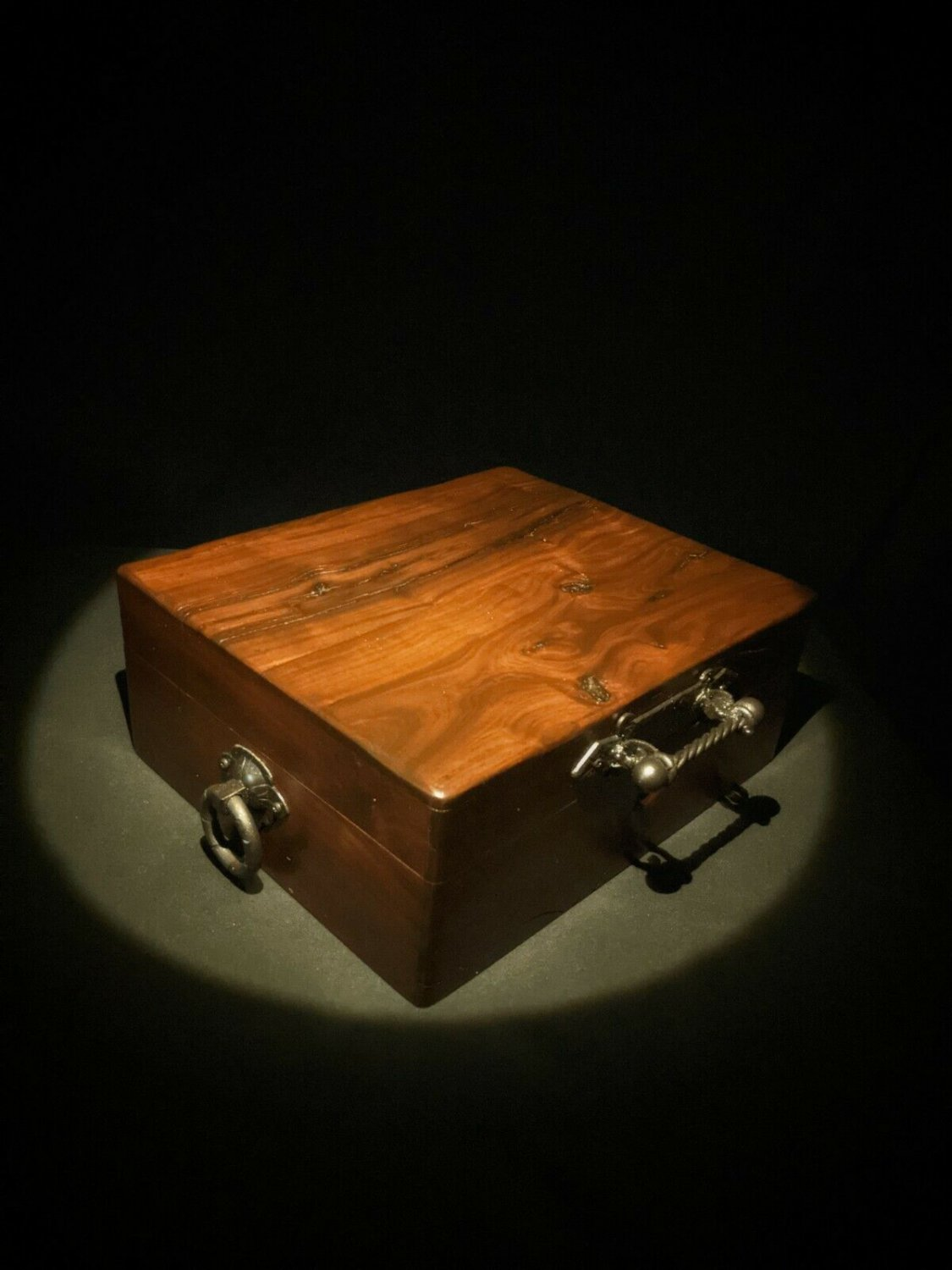 """Brizard and Co. - The """"Royal Oak Collection"""" Humidor - Golden Oak (60 / 70 ct"""