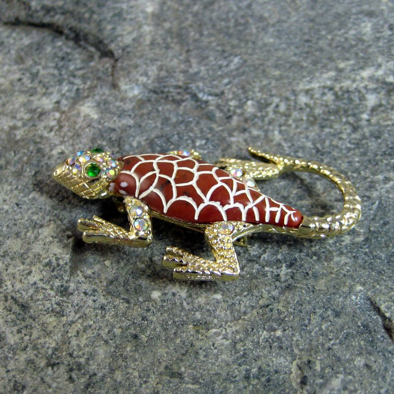 Gold tone Jeweled Gecko Lizard Brooch Pin with rhinstones