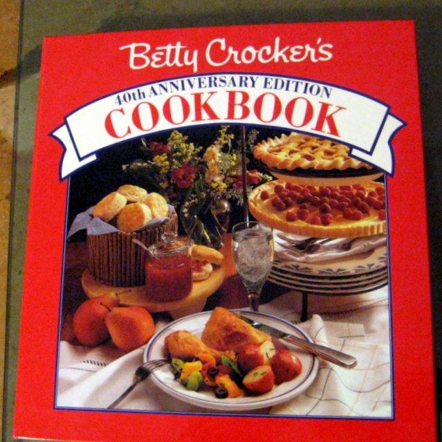 Betty Crocker�s 40th Anniversary Edition Cookbook 5 Ring Binder Tabs Heritage Recipes