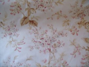 Memories of Love (8065)off white Cotton Fabric from Maywood Studio 1/ 2 yd