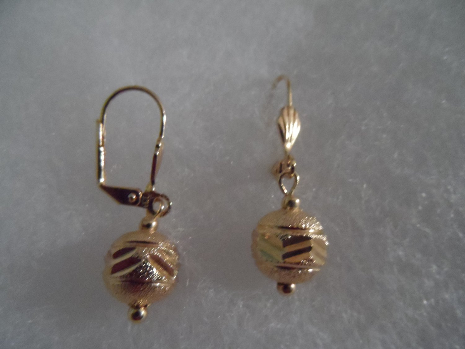 18 kt Gold Etched Ball Drop Stud  Earrings