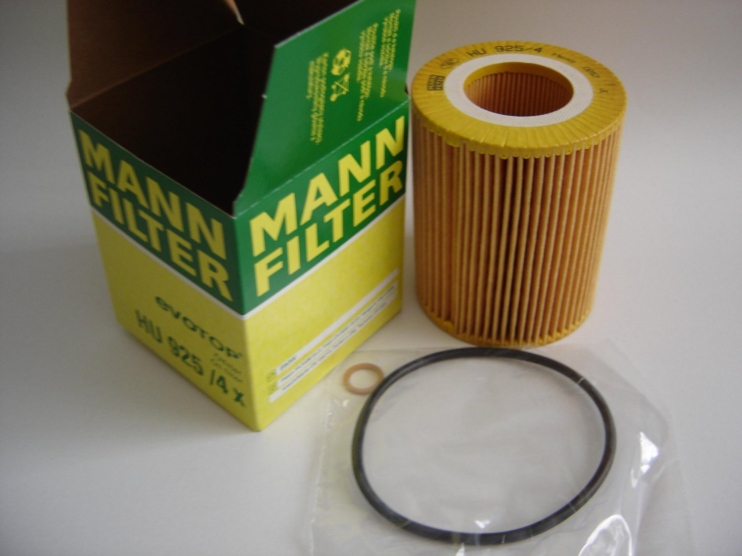 LOT of 3 MANN Oil Filters HU925/4X for BMW 11427512300 CH8081 filter