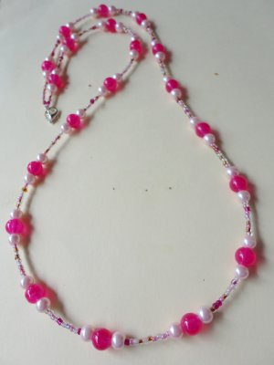 Strawberry Field - Pink Bead necklace