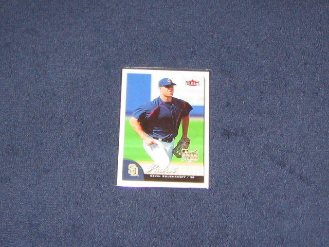 2007 Fleer Rookie Kevin Kouzmanoff #335 Padres