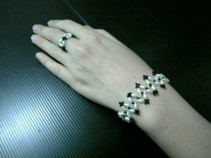 Pearl black