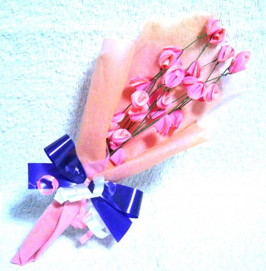 33 peach pink roses