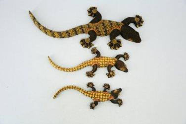 Hand-crafted Wood Figurine with Batik Motives, Gecko (Set of 3)