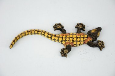 Hand-crafted Wood Figurine with Batik Motives, Gecko (S)