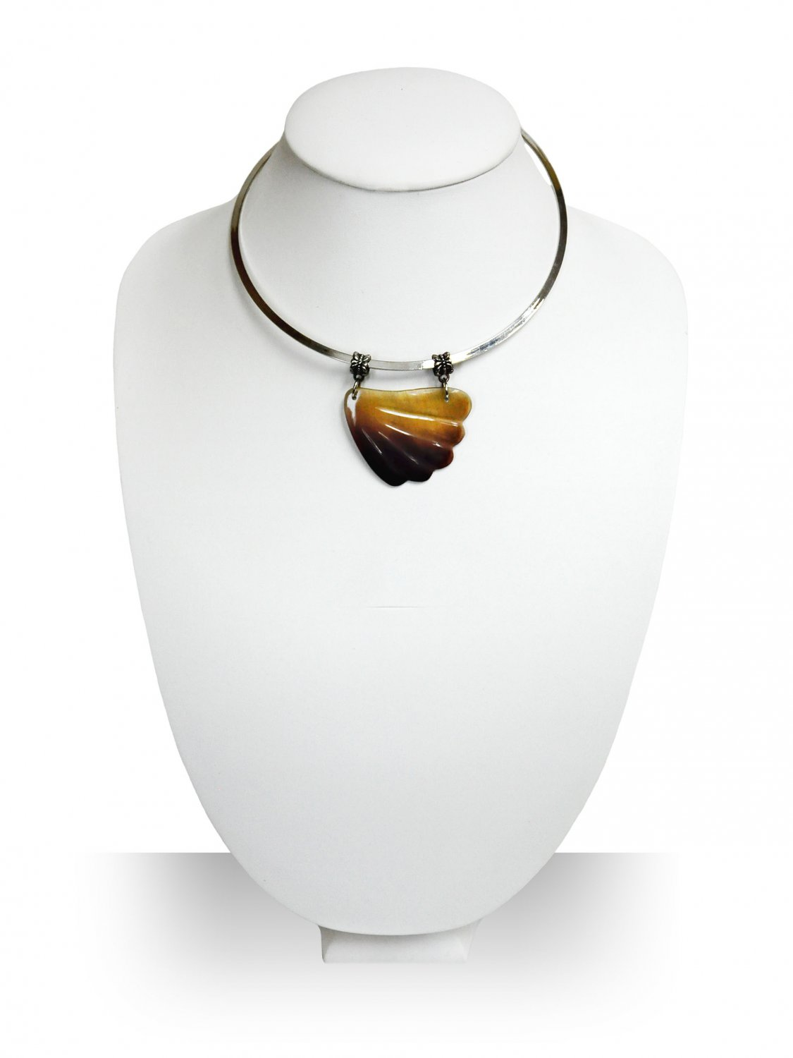 Handmade Natural Sea Shell Pendant with Stainless Steel Choker