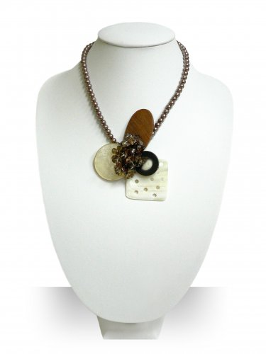 Handmade Natural Sea Shell Pendant with Pearl Necklace