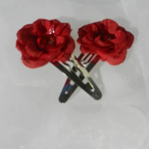 Mini Red Rose Jeweled Snap Clips