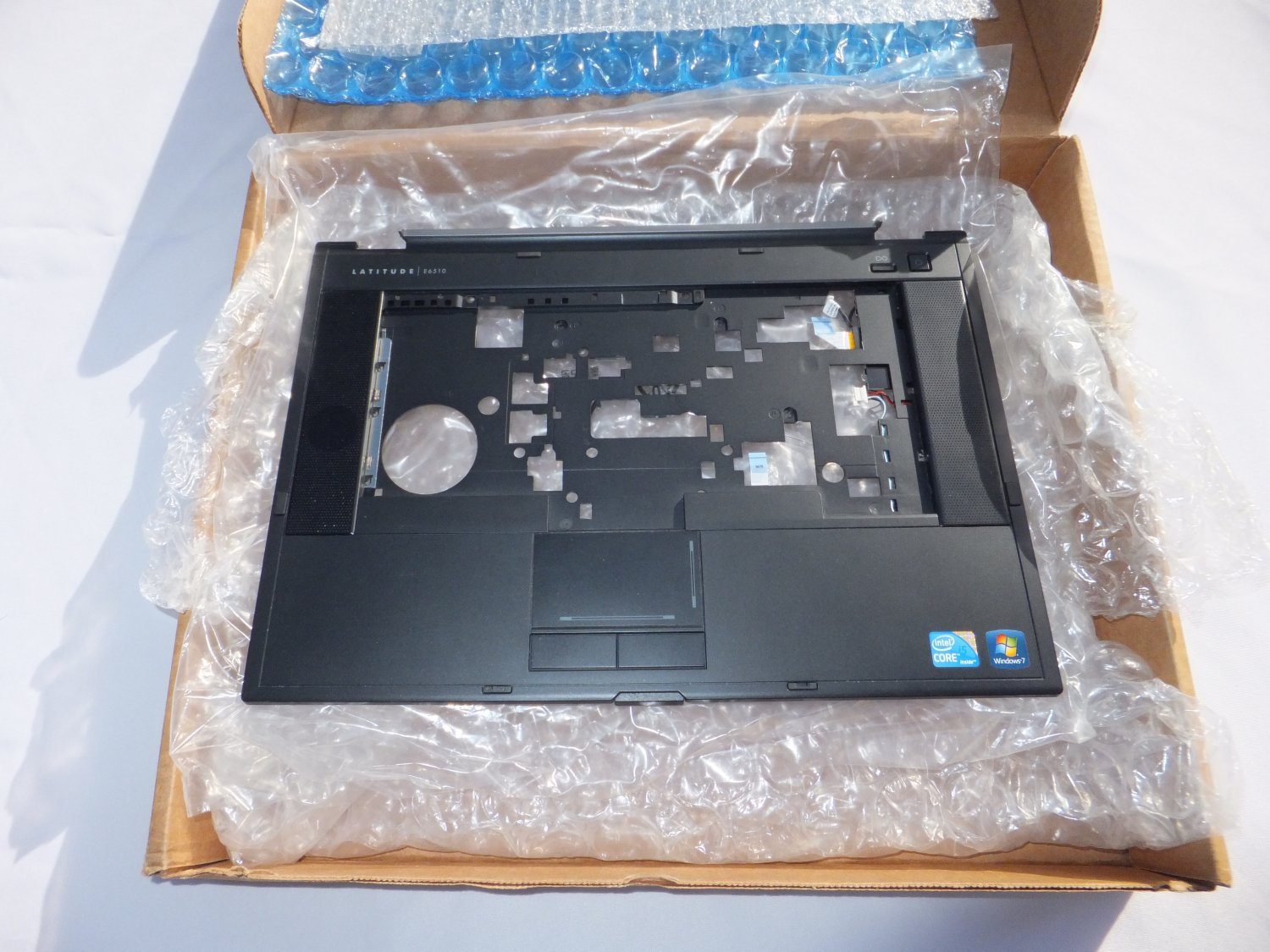 � Dell LATITUDE E6510 Top Casing Bezel/Touchpad 060YVG + Smart Card Reader 02C0K1 �