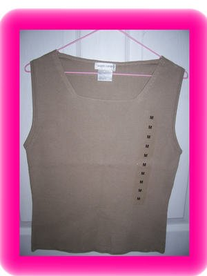 FREE SHIPPING!! Pierre Cardin Knit Sleevelss Tank / Shell Size Small Putty