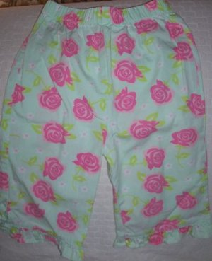 FREE SHIPPING!!  Toddler Girls Capri Pants Size 2T Gently Used
