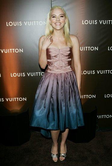 Scarlett Johansson 8x10 Photo - Very Busty Open Toe Heels #7