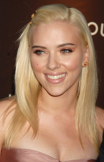 Scarlett Johansson 8x10 Photo - Close Up Pretty Candid #15