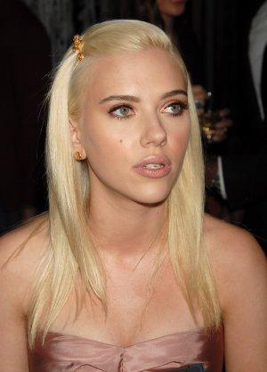 Scarlett Johansson 8x10 Photo - Close Up Pretty Candid #25