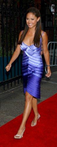 Vanessa Minnillo 8x10 Photo - Purple Short Skirt, Open Toe Heels Candid! #16