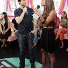 Vanessa Minnillo 8x10 Photo - Short Black Skirt, Open Toe Heels Candid - Tom Cruise! #23