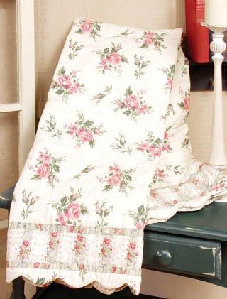 Vintage Style Rose Quilt