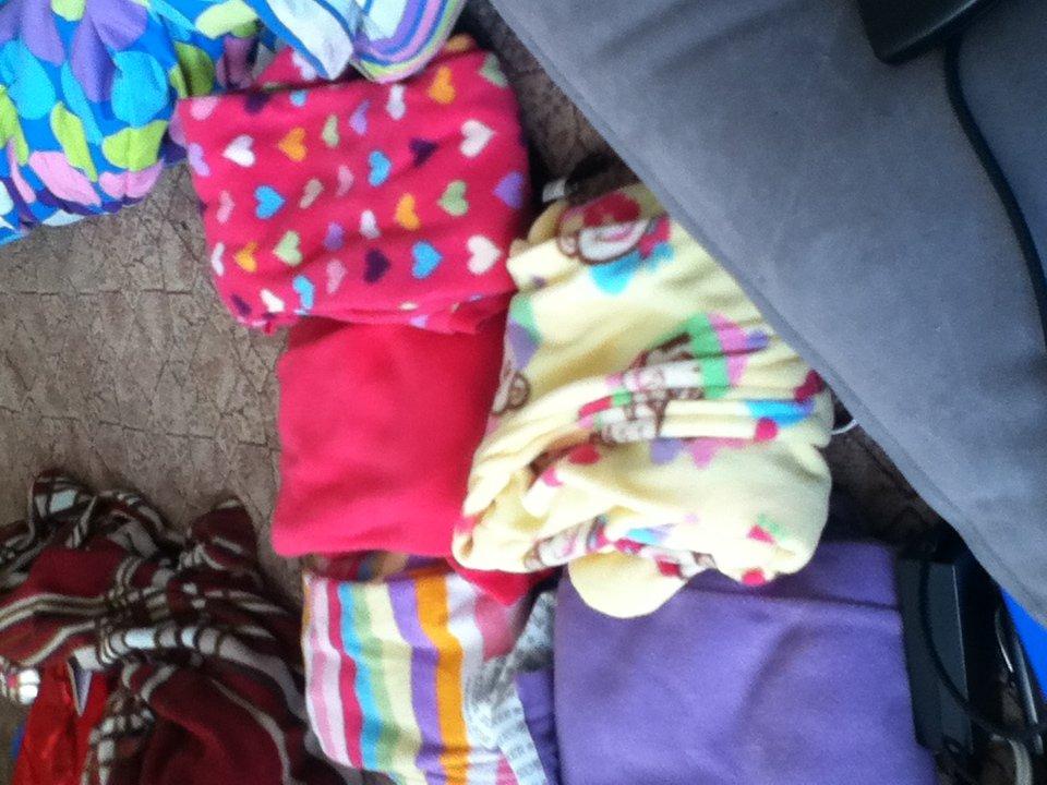 girls size 3t footie pajamas.