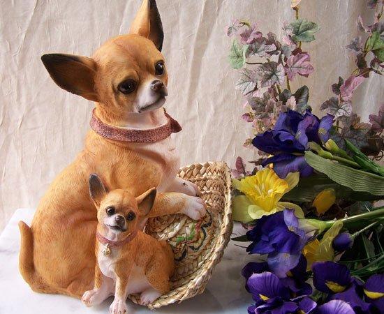 Chihuahua Figurine with Pup
