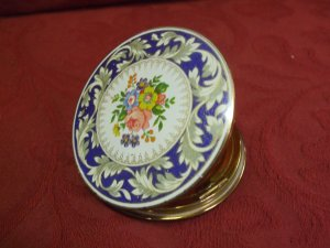 Enamelled Stratton Compart