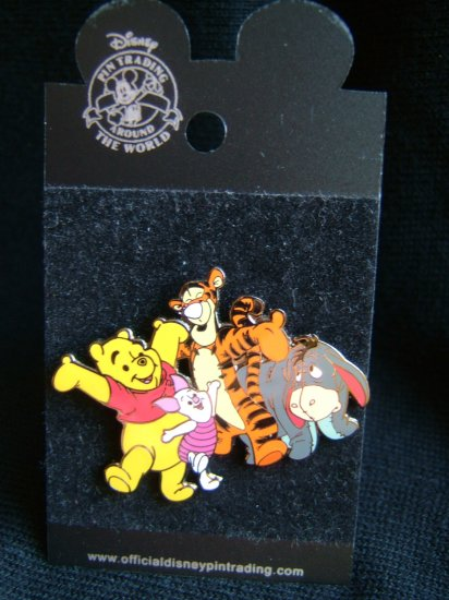 Disneyland PIN/BADGE (winne the pooh & friends)