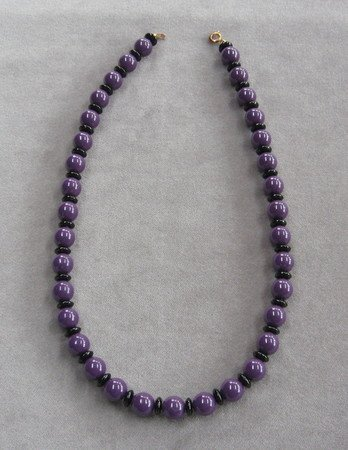 Purple & Black Bead Necklace Vintage