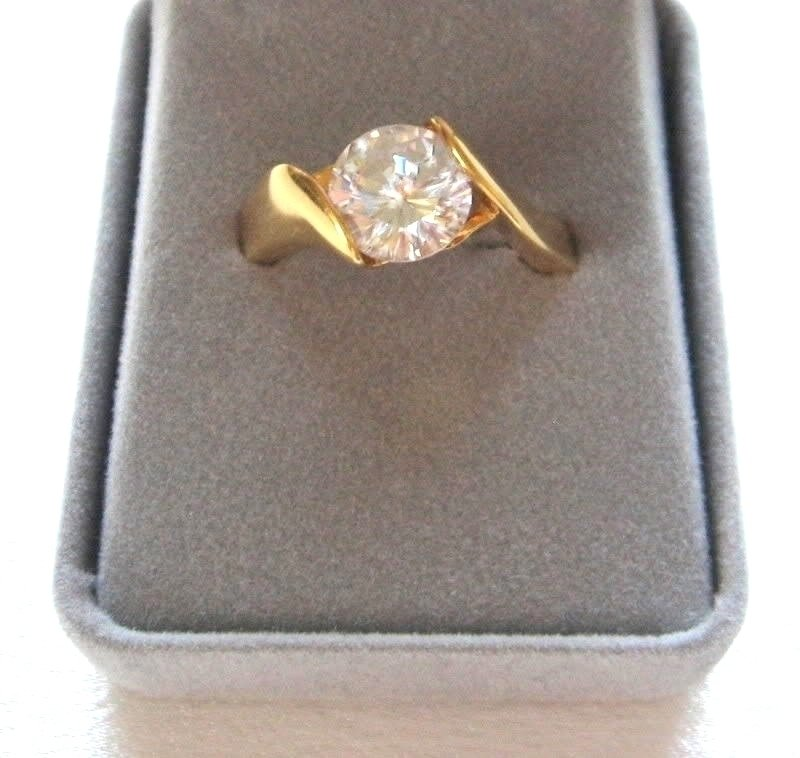 Ladies Large Round Solitaire Crystal Cut CZ Stone Ring Size 9 1/2
