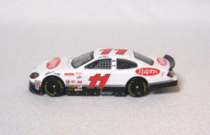 Brett Bodine #11 Nascar Diecast Toy Car Ralphs 2000 Racing Champions