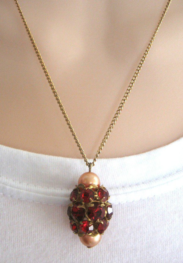 Cluster Style Red Stone Jewel Pendant Necklace Vintage 1950s