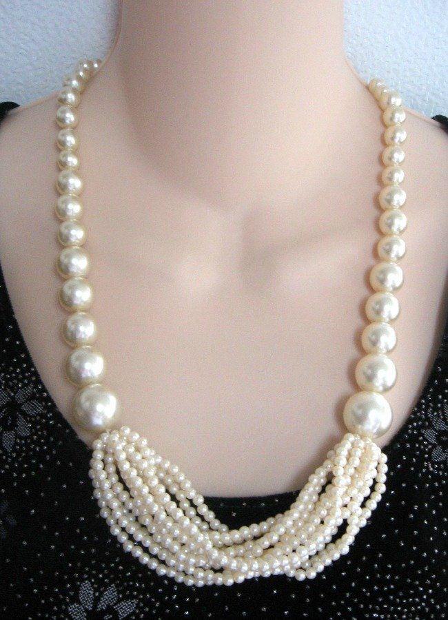 Chunky Style Pearl Necklace 12 Strands Retro Vintage Jewelry 1970s