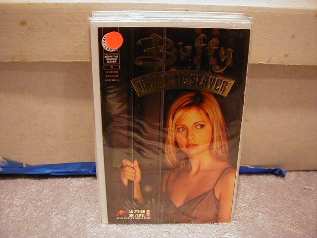 BUFFY THE VAMPIRE SLAYER#1 GOLD FOIL ANOTHER UNIVERSE EXCLUSIVE (1998) VF/NM