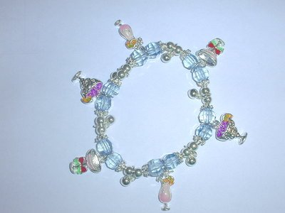 Free Shipping: Blue Cocktail Charm Braclet