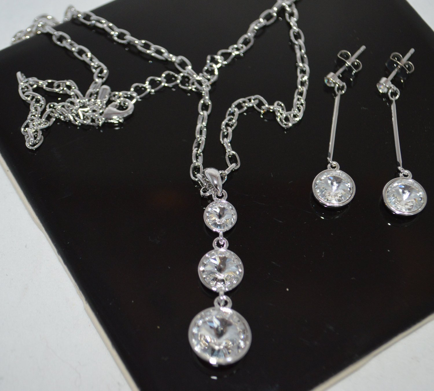Clear Crystal 3 Dangle and Earring set Silver Tone Chain Necklace