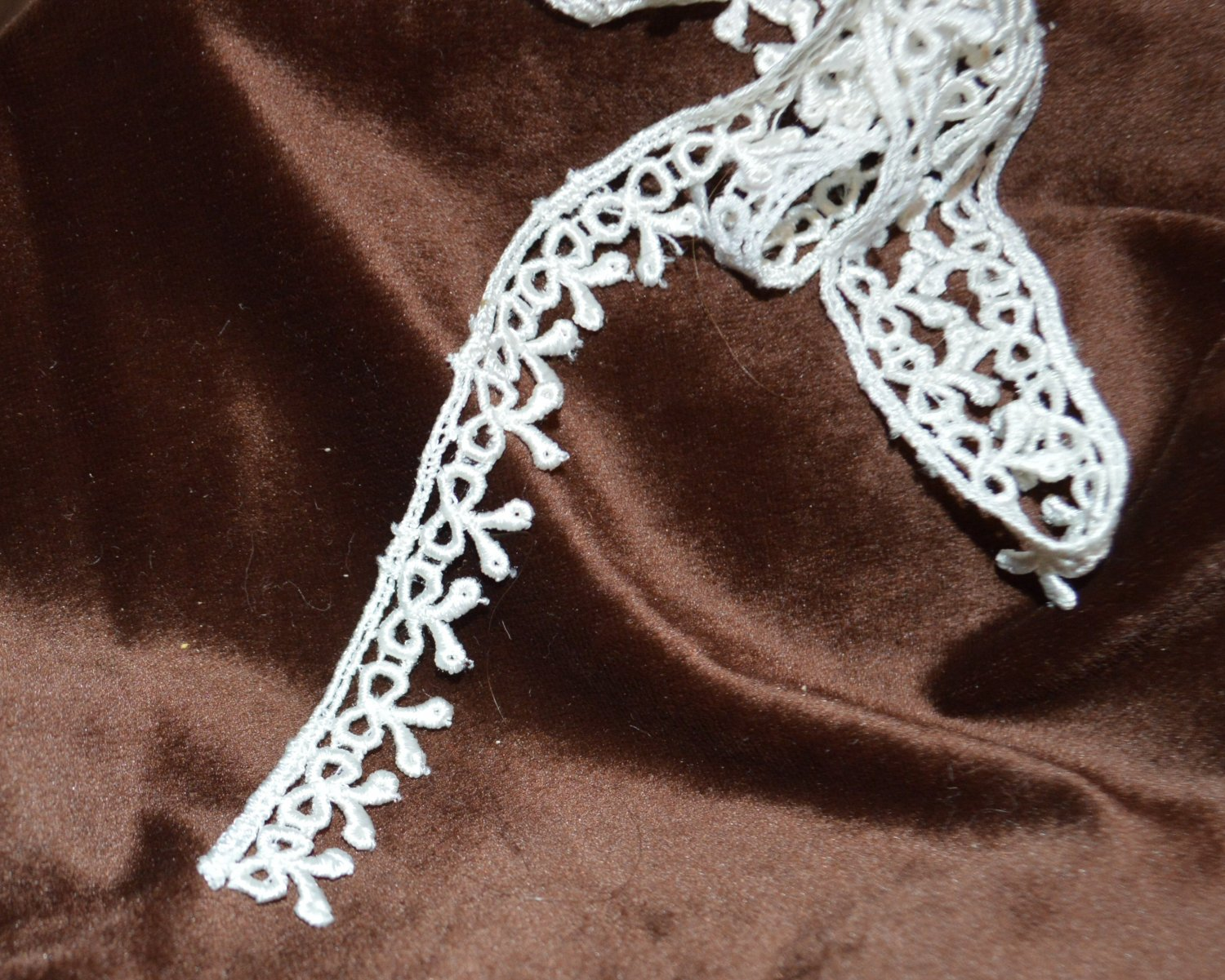 """White Bow or Ribbon Lacey  Trim to Sew 62"""""""" x 5/8"""""""