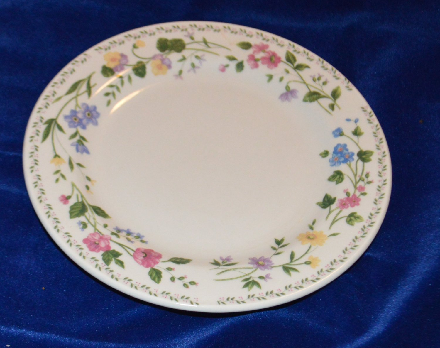 Farberware Stoneware English Garden 225 signed Salad Dessert Plate Dish 1993