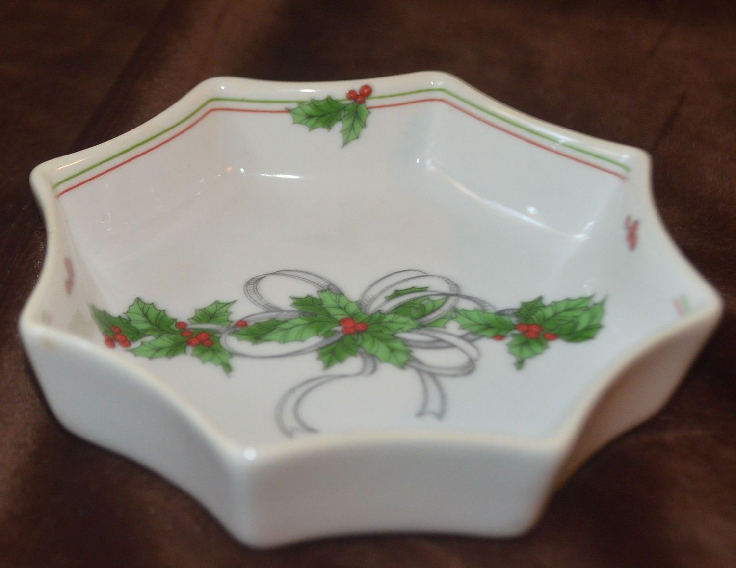 Poinsettia Small Christmas Decoration Octangle Dish The Tuscany Collection