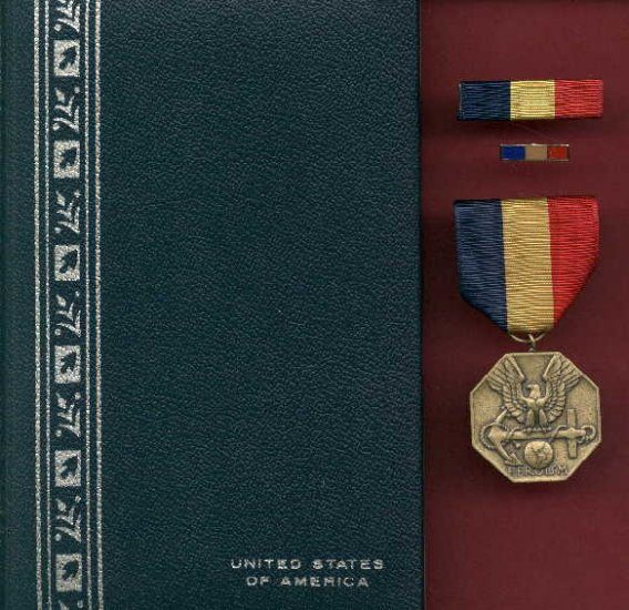US Navy and Marine Heroism medal in case with ribbon bar and lapel pin